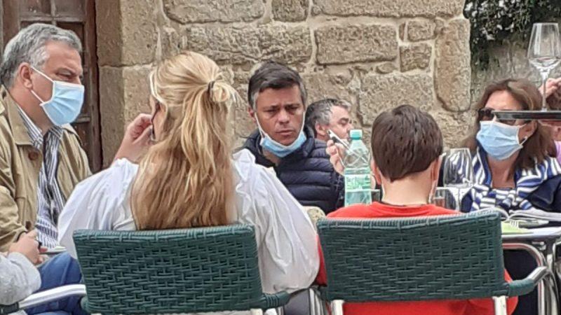 Multan al opositor venezolano Leopoldo López por viajar a Galicia pese al cierre perimetral