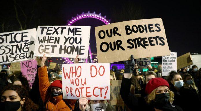 manifestacion-en-londres-por-el-asesinato-de-sarah-everard