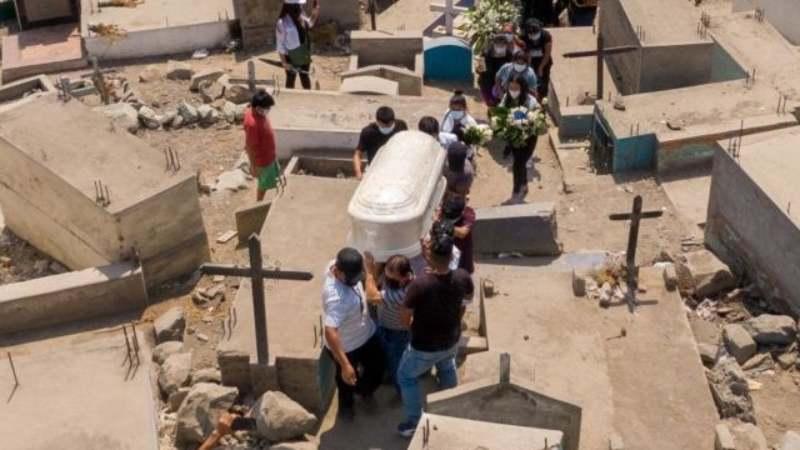 Perú se convierte en el país con la mayor tasa de mortalidad per cápita del mundo por Covid-19 tras revisar sus cifras