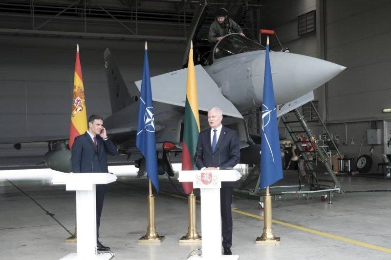 España juega a la guerra de EEUU