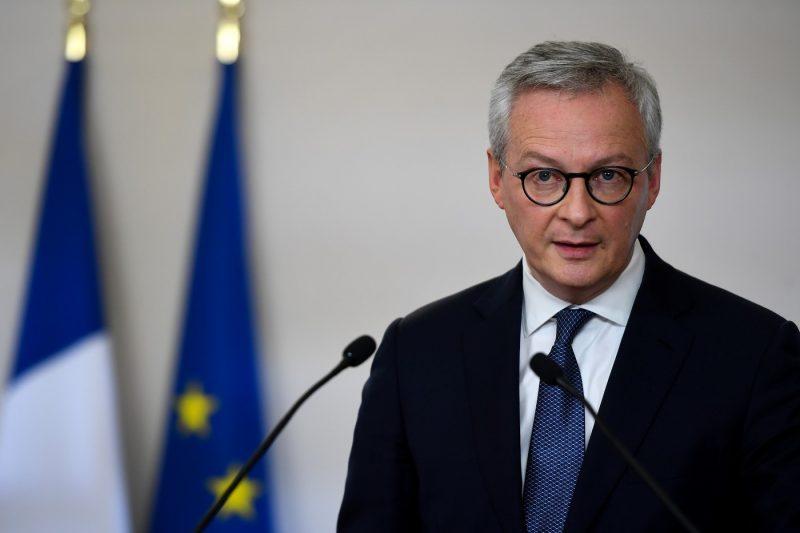 Francia pide a los europeos que no confíen en EEUU para su protección
